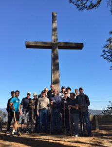 LAUMC Men's Retreat hike to Mt Hermon cross